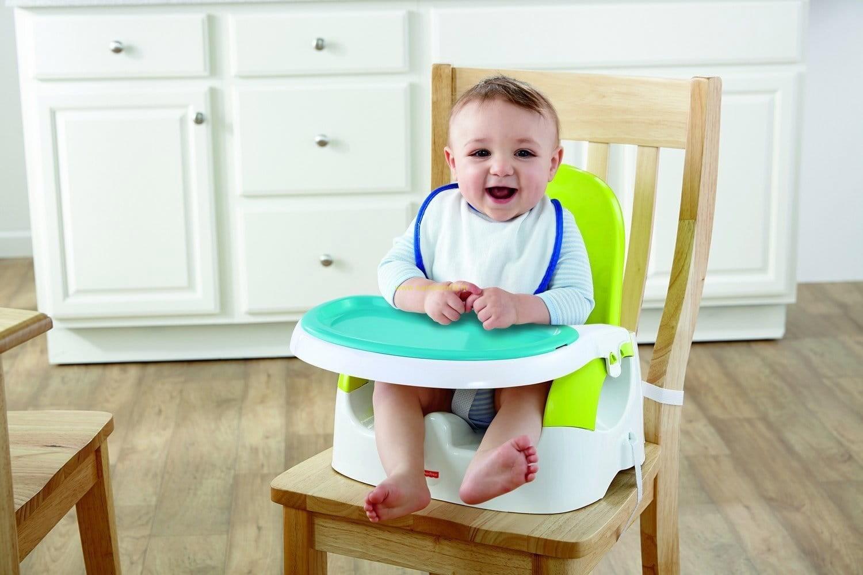 тех самых малыш кушает на стульчике для кормления картинка понимаете, такой