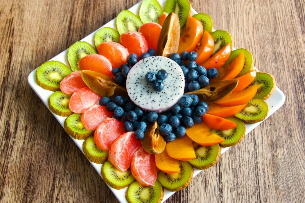 как красиво поставить фрукты на стол фото используем особые