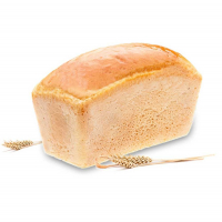 буханка белого хлеба на белом фоне