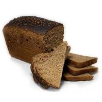 нарезанный черный хлеб