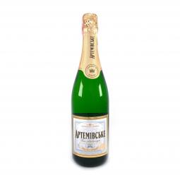фото бутылки шампанского на белом фоне