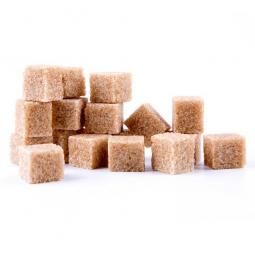 кубики коричневого тростникового сахара