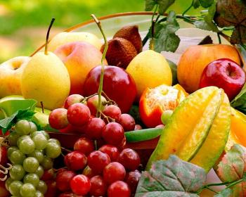 груши, яблоки, виноград, апельсины