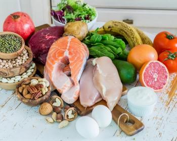 рыба, овощи, фрукты, мясо и зелень