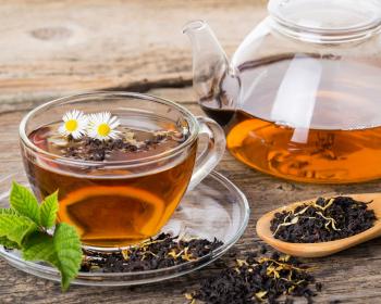 чай в чайнике и кружке