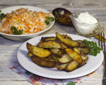 печеная картошка по-деревенски
