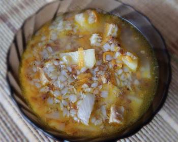 тарелка гречневого супа