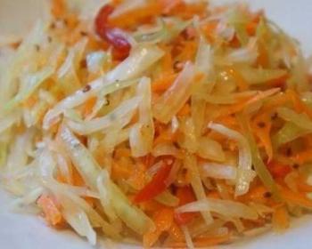 салат из овощей (капусты, моркови, болгарского перца) по-корейски