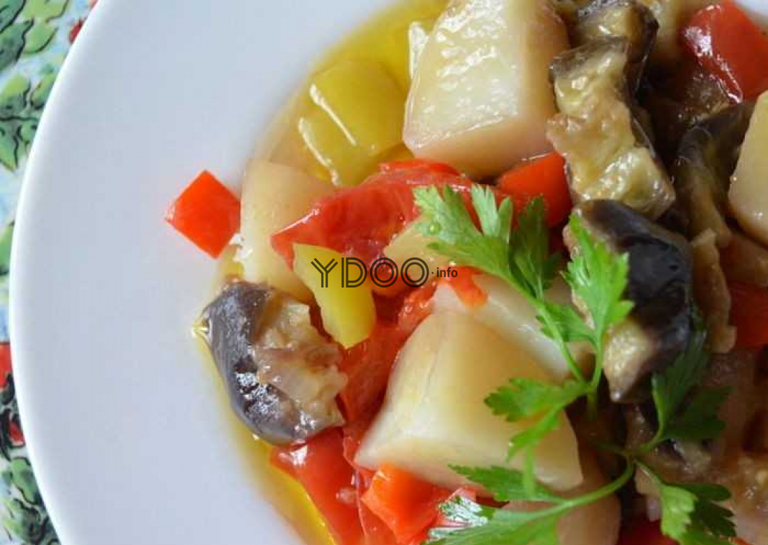 баклажаны тушеные с картошкой и прочими овощами